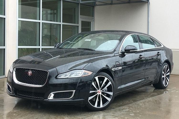 Jaguar Land Rover запускає на своєму заводі серійне виробництво електромобілів