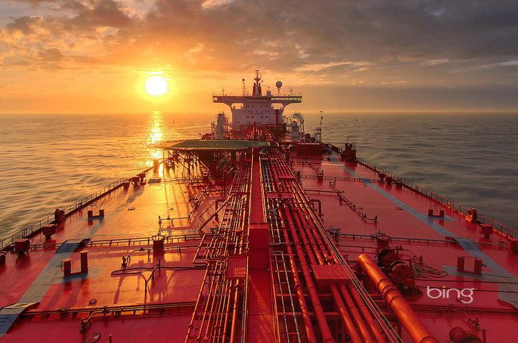 Іранські кораблі намагались захопити британський нафтовий танкер в Перській затоці