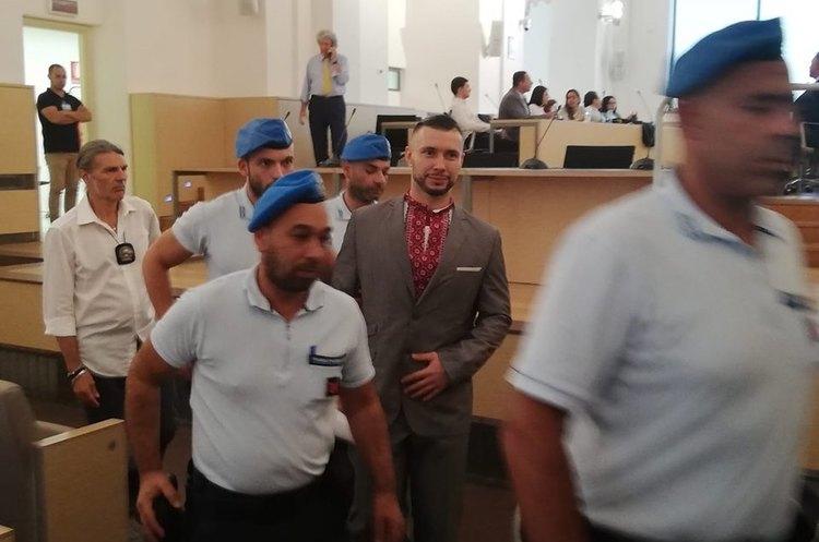 Аваков пообіцяв оскаржити 24-річний вирок українському нацгвардійцю Марківу в Італії