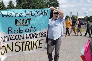 Страйки працівників Amazon у Німеччині поширилися по всьому світу
