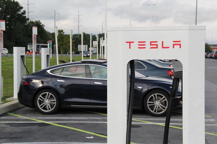 У Tesla мають намір збудувати станції Supercharger в Україні