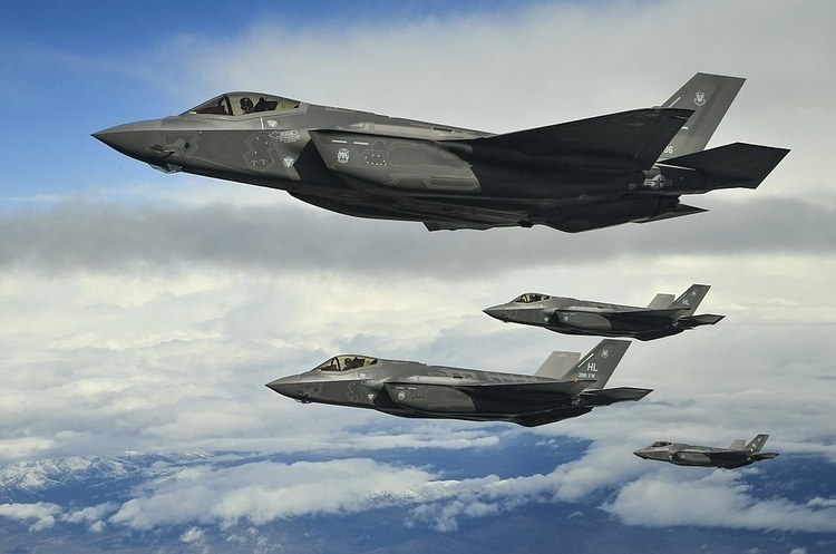 Південна Корея обстріляла російський військовий літак, який вторгся в її повітряний простір