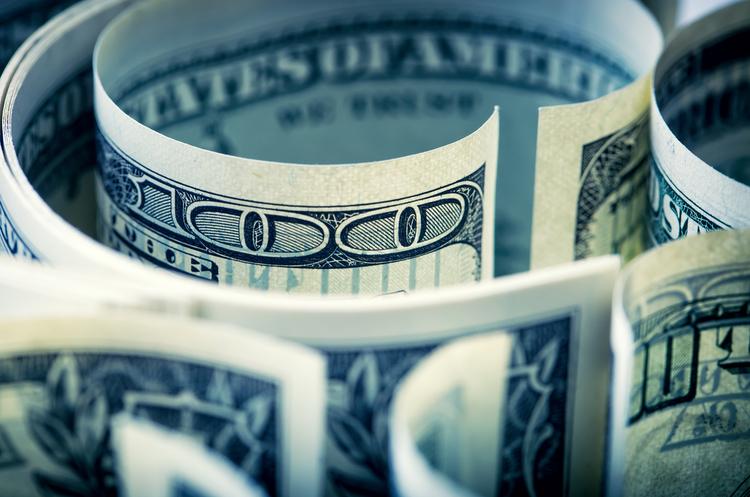 Курси валют на 23 липня: долар на закритті міжбанку подешевшав