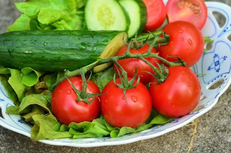 Україна імпортувала рекордну кількість огірків та томатів за останнє десятиліття