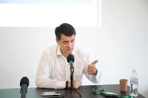 Разумков анонсував закон про позбавлення депутатського мандату за прогули засідань Ради