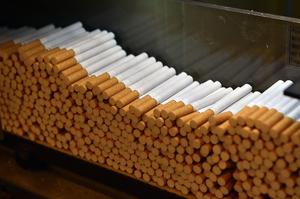 Кабміні скасував ліцензування при імпорті та експорті тютюну та алкоголю