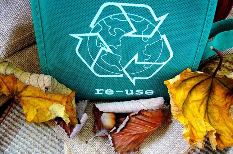 В Індії почало працювати кафе, де пластик обмінюють на їжу