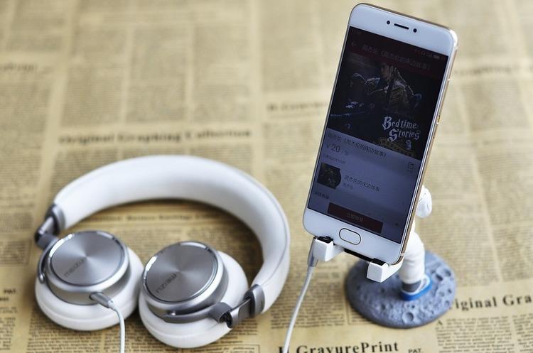 Виробник смартфонів Meizu знову звільняє співробітників і закриває магазини в Китаї