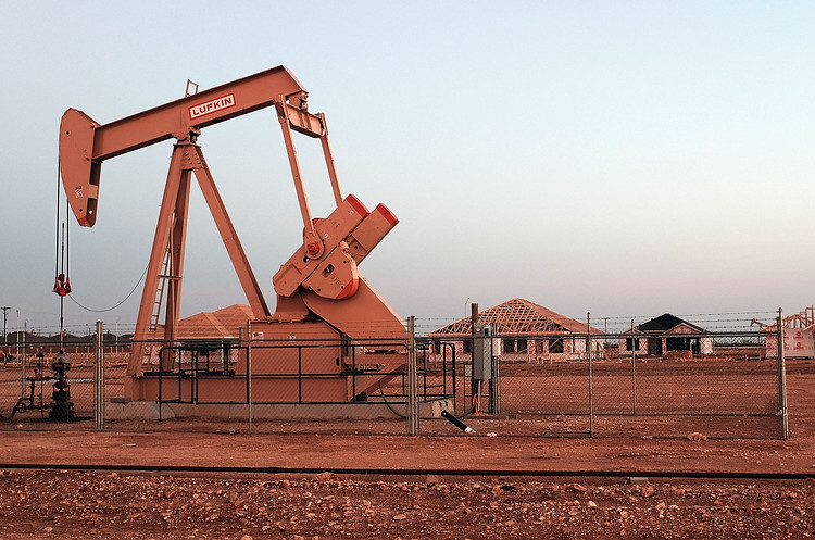 Видобуток нафти ОПЕК досягнув мінімуму з 2011 року – Reuters