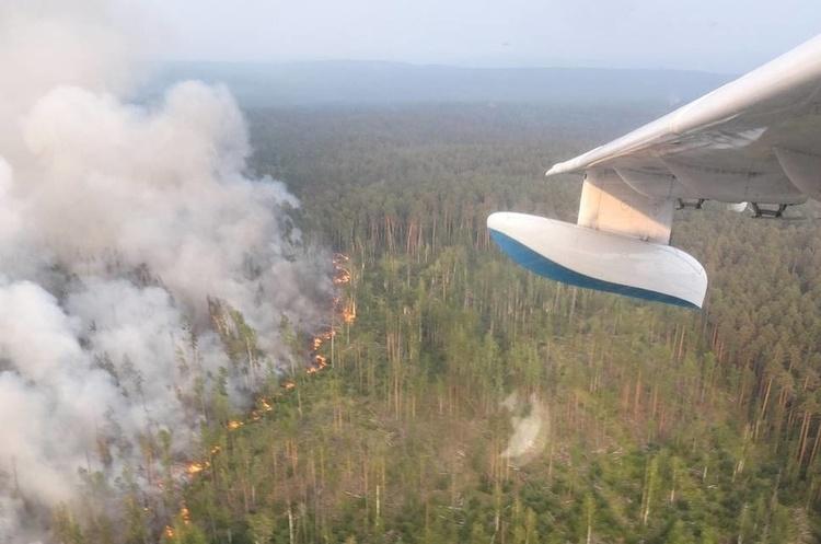 Російські військові літаки будуть здійснювати по 15 вильотів на день для гасіння пожеж у Сибіру