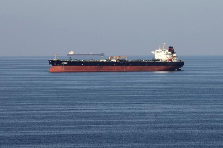 Більше 10 танкерів Ірану поставляють нафту іноземним країнам в обхід санкцій США
