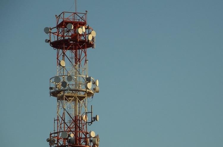 «Київстар», «Vodafone Україна» і lifecell домовилися про перерозподіл радіочастот в діапазоні 900 МГц