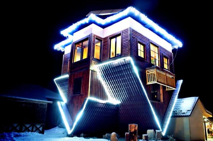 Найнезвичайніші будівлі України