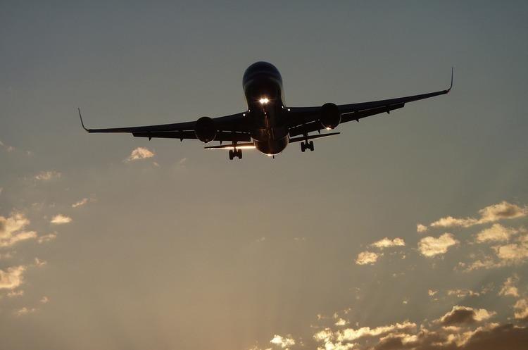 Через торгову війну вантажні авіаперевезення падають в усьому світі, крім Африки