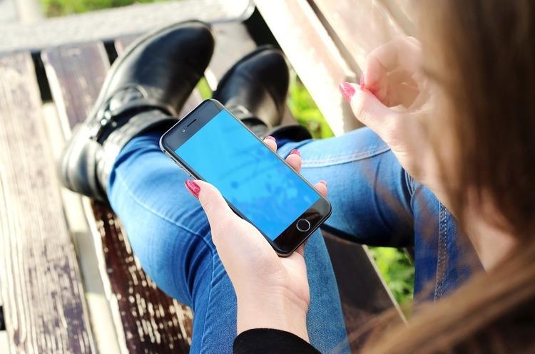 Повстала з попелу: навіщо мобільні оператори намагаються воскресити базу IMEI
