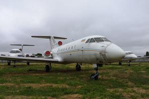 OpenMarket продає арештований пасажирський літак ЯК-40 за 4,5 млн грн