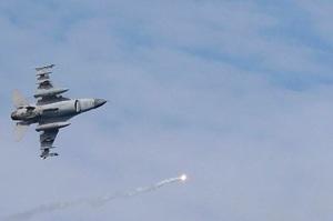 США поставлять у Тайвань 66 винищувачів F-16, Китай погрожує санкціями