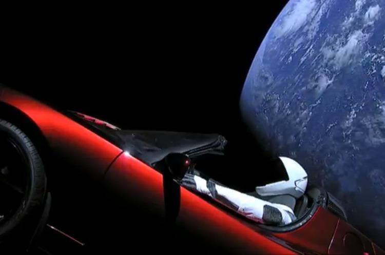 Космічний Tesla Roadster здійснив своє перше коло навколо Сонця