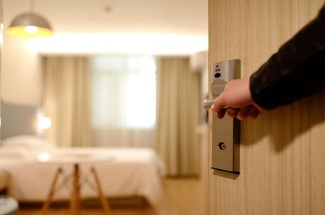 Хмарні технології: як автоматизувати управління готелем