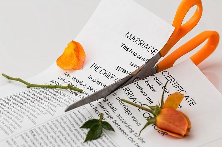 Шлюбний контракт: як зберегти майно та бізнес після розлучення