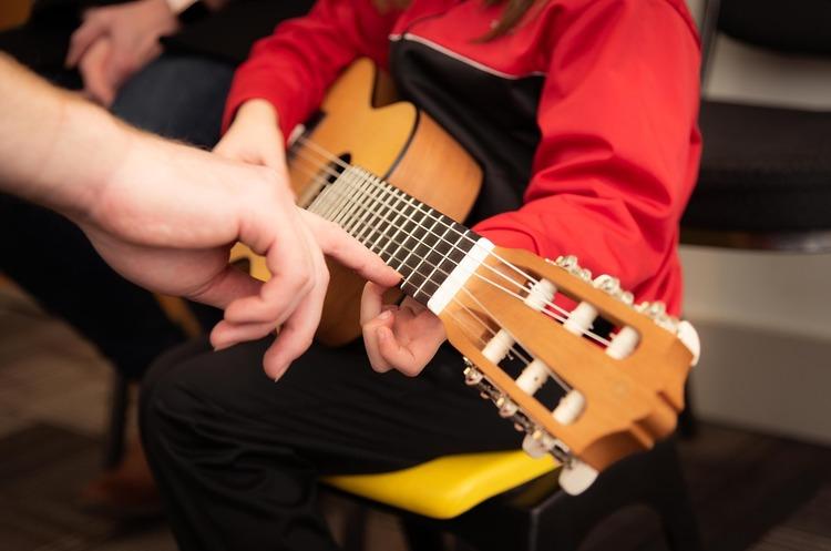 Реформа «ля минор»: почему учителя музыки собираются митинговать на Банковой