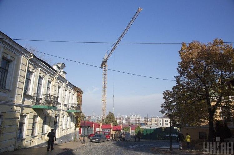 Ламати й будувати: чому ДАБІ не може зупинити будівельний хаос у Києві