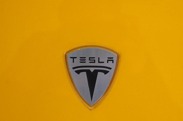 Китай не обкладатиме митами автомобілі Tesla