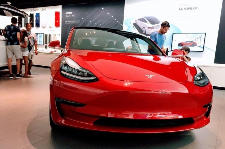 В Китаї електрокари Tesla не будуть обкладатися податками