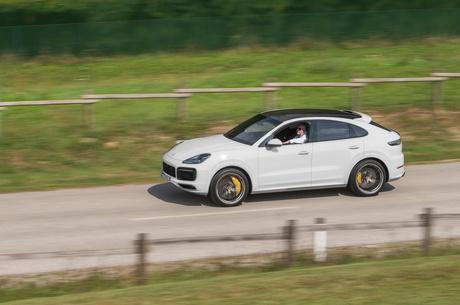 Porsche Cayenne Coupe: исправленному верить