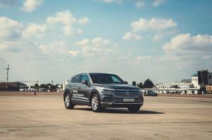 Volkswagen Touareg: як з позашляховика перетворитися на кросовер