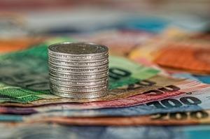 Надходження акцизного податку з тютюнових виробів у серпні цього року склали 4,4 млрд грн