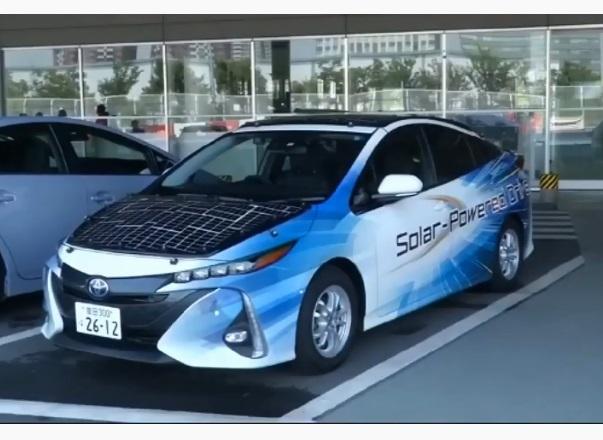 Toyota тестує Prius із сонячними батареями на даху