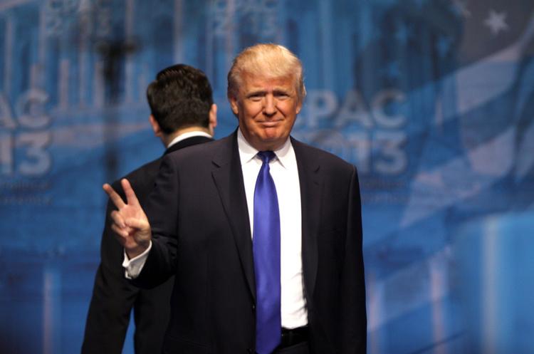 Трамп готовий розглянути варіант тимчасової торгової угоди з КНР
