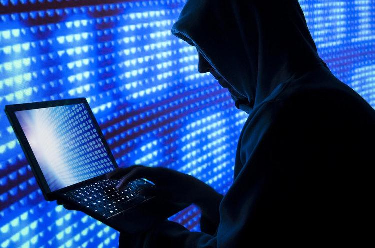 Український хакер у суді у США визнав себе винним в кібератаках та шахрайстві