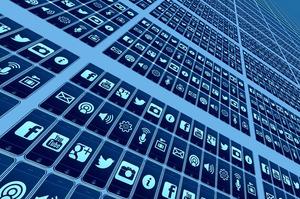 Znaj.ua і Politeka.net заперечують використання фейків у Facebook