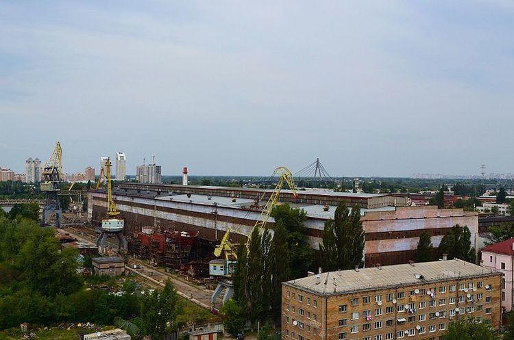 Печерський суд арештував завод «Кузня на Рибальському»
