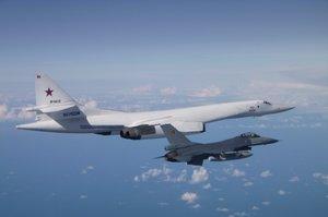 Бельгійські винищувачі перехопили російські літаки над Балтикою