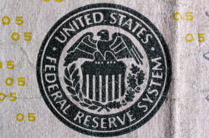Федрезерв вдруге поспіль знизив процентну ставку після десятирічної перерви