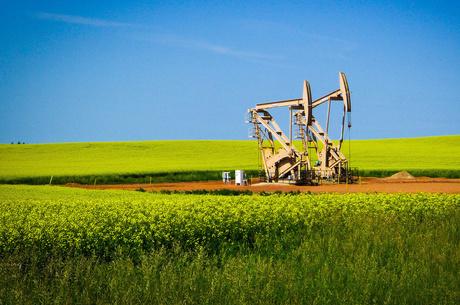 Цены на нефть несколько выросли после обещания Саудовской Аравии полностью восстановить добычу