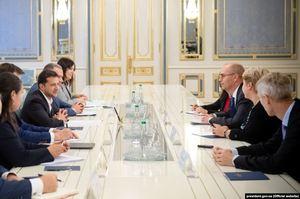 Зеленський зустрівся з представниками МВФ