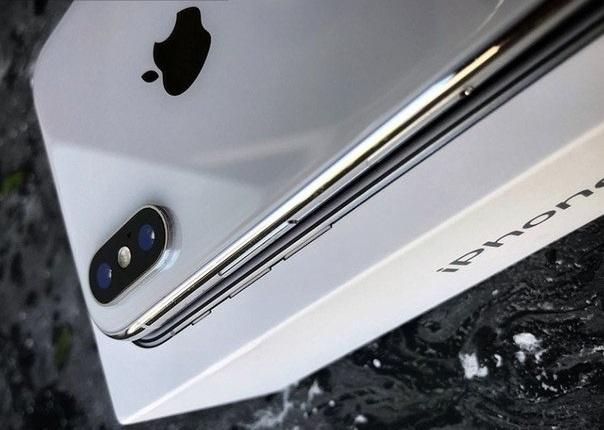 Нові iPhone надійшли в продаж: жодного ажіотажу не спостерігається