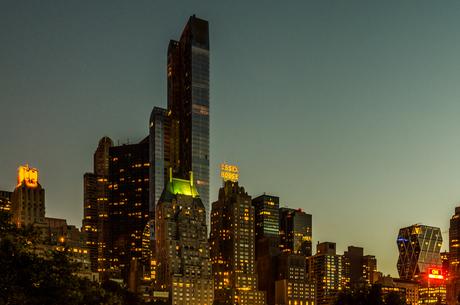 В Нью-Йорке появился самый высокий жилой небоскреб в мире высотой в 472 метра