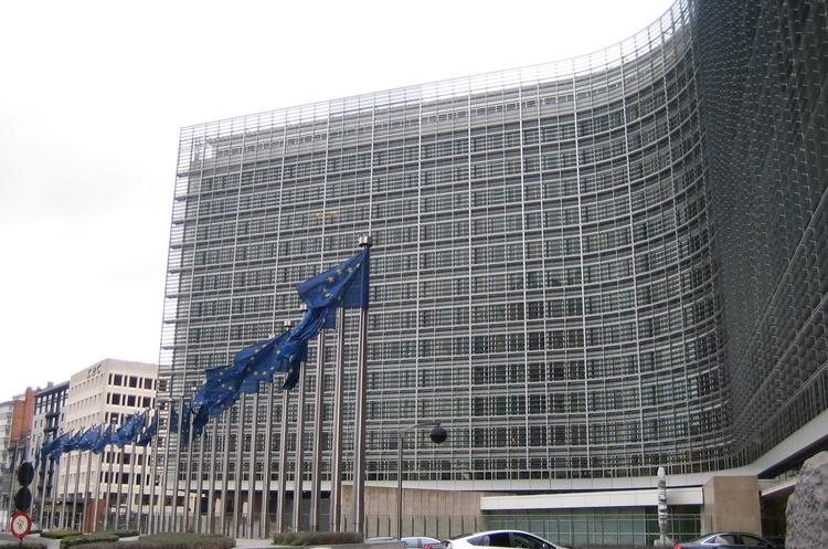 ЄС самостійно введе цифровий податок якщо в 2020 країни-члени не досягнуть глобальної угоди