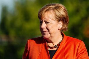 «Формула Штайнмайєра» - це прогрес, але знімати санкції з РФ надто рано – Меркель