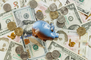 Курси валют на 8 жовтня: долар і євро дорожчають