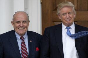 Трамп намагається захистити Джуліані: «гарний хлопець та чудовий юрист»