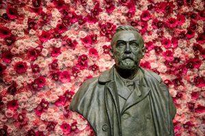 Итоги Нобелевской недели: премий – больше, скандалов – меньше