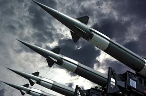 Путін: Росія розробляє ракети середньої дальності у відповідь США