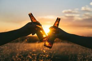 Суд скасував заборону 2017 року на придбання алкоголю у Києві вночі