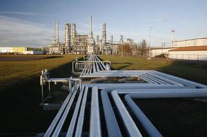 Білорусь недоотримала $1,5 млрд через російський податковий маневр та брудну нафту